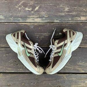 Nike running shoes women's